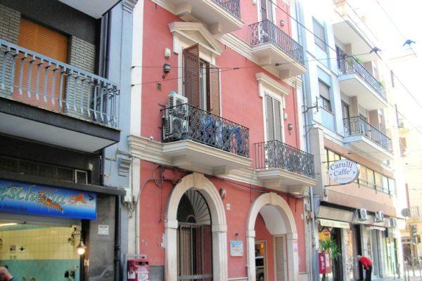 Murat - Via Crisanzio - Bivani